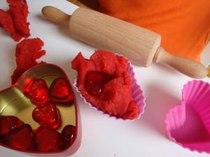 Valentinova tortica iz plastelina