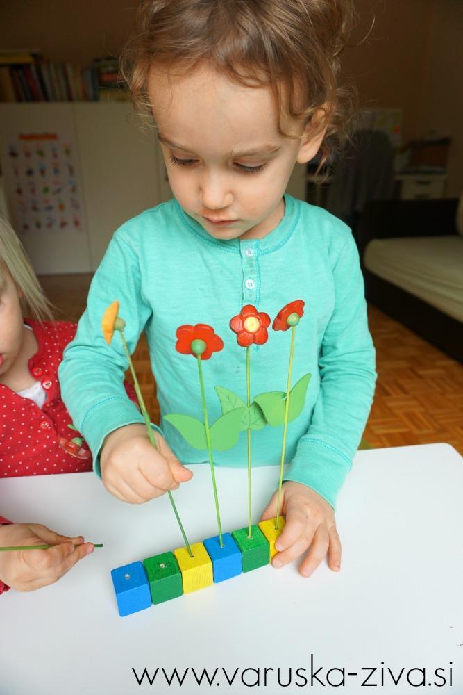 Sajenje rožic z otroki, Koordinacija roka-oko, Vaja za fino motoriko