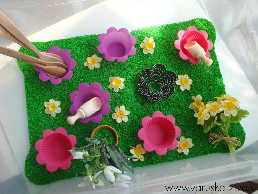 Pomladna senzorična škatla