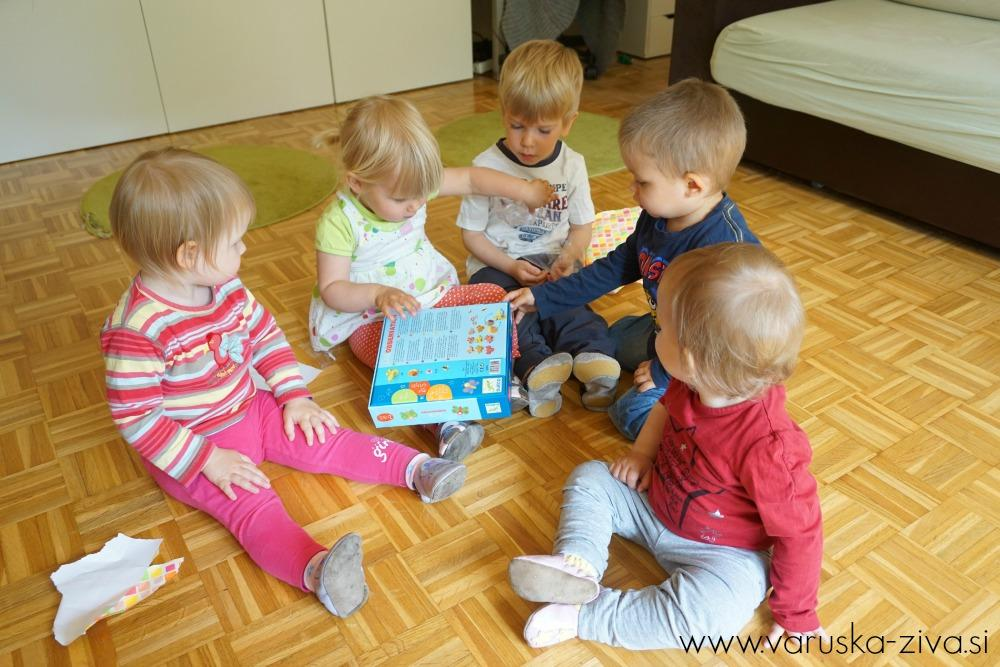 Odvijanje darila :)