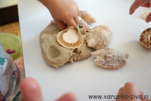 Peskov plastelin in školjke