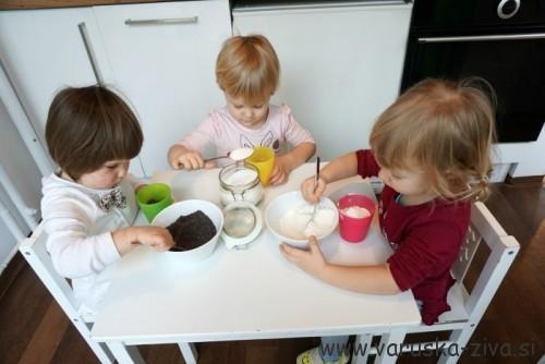 Otroci pečejo - Makovo pecivo