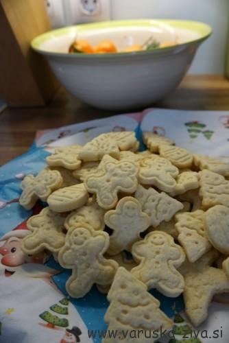 Pečeni masleni piškoti - peka z otroki