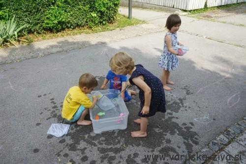 Poletna igra z vodo
