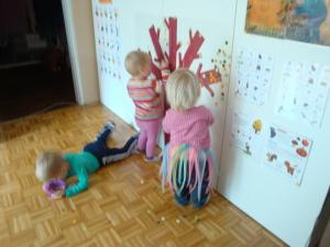 Jesensko drevo - dekoracija igralnice
