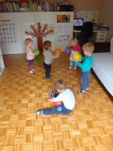 Igra s senzoričnimi baloni