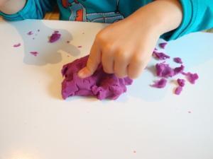 Nazaj k osnovam - manipulacija s plastelinom