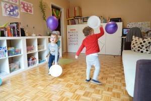 Loparji iz papirnatih krožnikov, Pink pong z baloni, Igra z baloni, Gibalna dejavnost z baloni