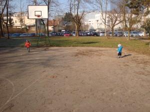 Igra z žogo