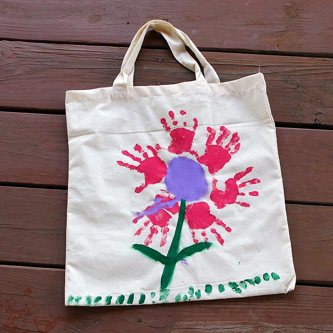 Nakupovalna vrečka iz blaga z odtisom rokice - Materinski dan - ustvarjanje