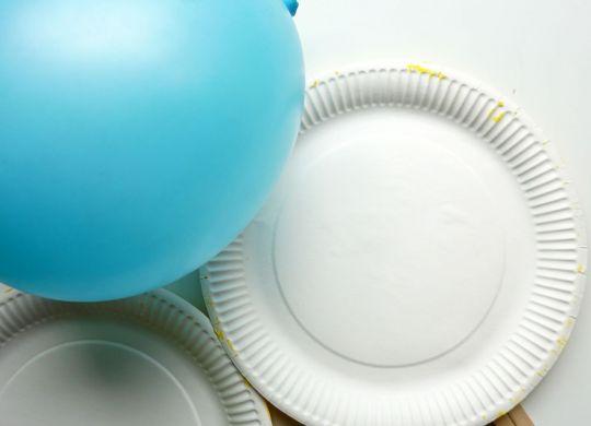 Loparji iz papirnatih krožnikov - Pink ponk z baloni - Igra z baloni