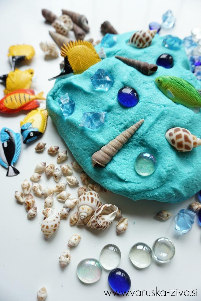 Slano testo z morskimi bitji