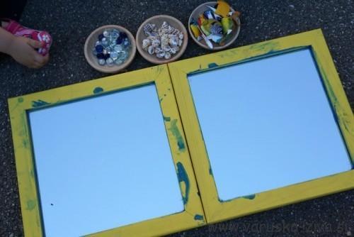 Igra z ogledalom in drobnimi delci na morsko tematiko