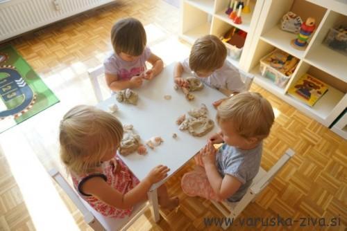 Manipulacija z domačim plastelinom