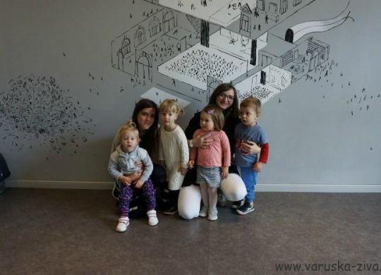 Varuška Živa in varuška Nina z otroci