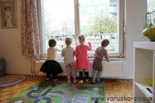 Risanje na okno z voščenkami