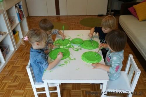 Barvanje krožnika z zeleno tempero