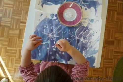 Slikanje snežink z vatirano plačko