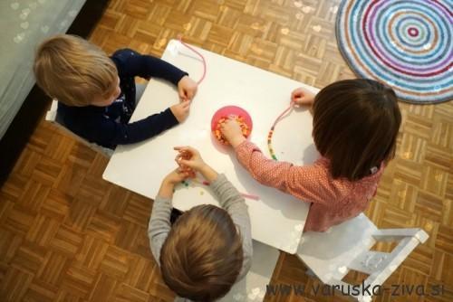 Srčki iz kosmatih žičk - valentinova aktivnosti za otroke