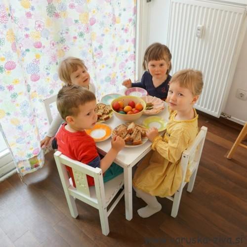 Velikonočni zajtrk z otroki