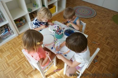 Frizbi iz papirnatega krožnika - doma narejena igrača
