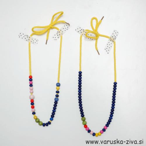 Enostavne verižice iz lesenih perlic