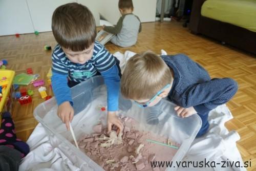 Izkopavanje dinozaverskih kosti
