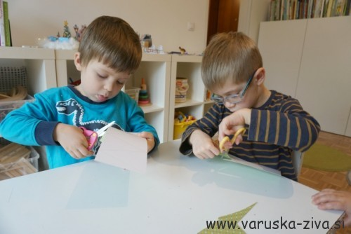 Praznične voščilnice - otroci ustvarjajo