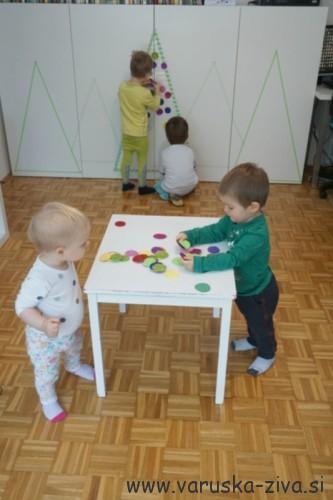 Lepljiva smrečica - praznične aktivnosti za otroke
