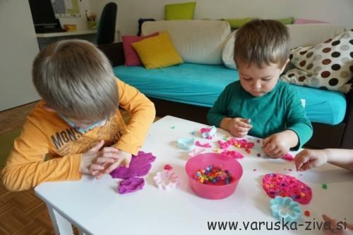 Pomladni plastelin - pomladne aktivnosti za otroke