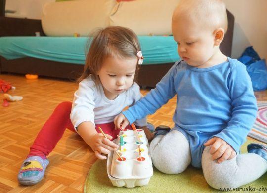 Vtikanka iz škatle za jajca - Doma narejena igrača