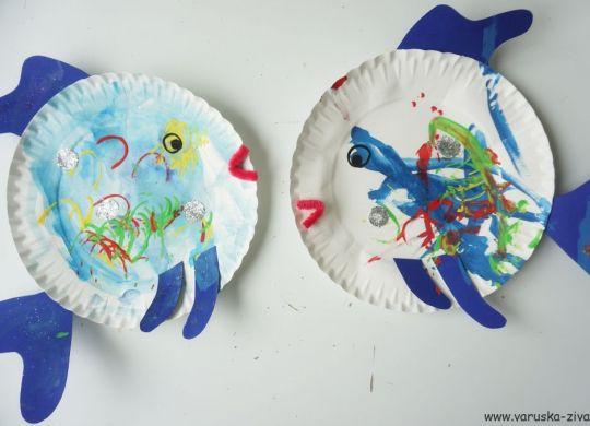Mavrična ribica iz papirja