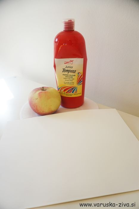 Tiskanje z jabolki - jesenske aktivnosti za otroke