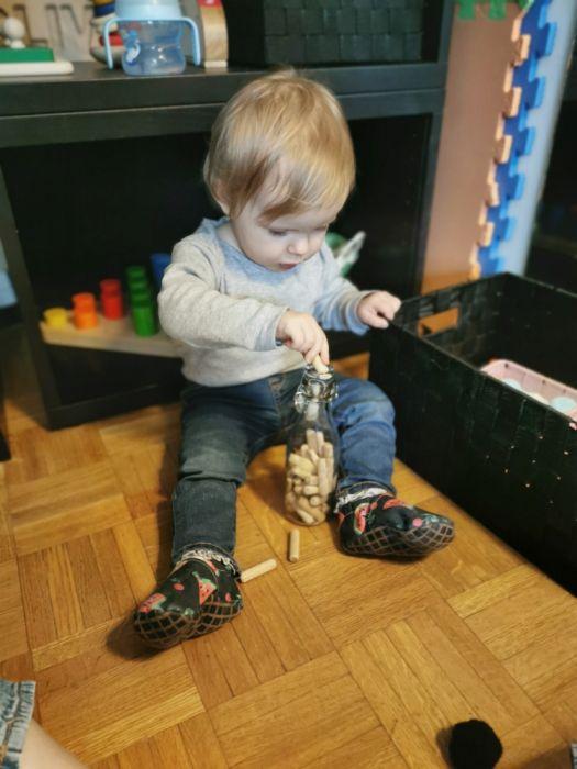 Doma narejene igrače za enoletnike - Vtikanka