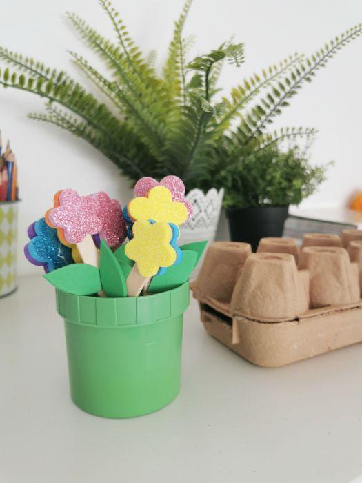 Sajenje rožic - pomladne aktivnosti za otroke
