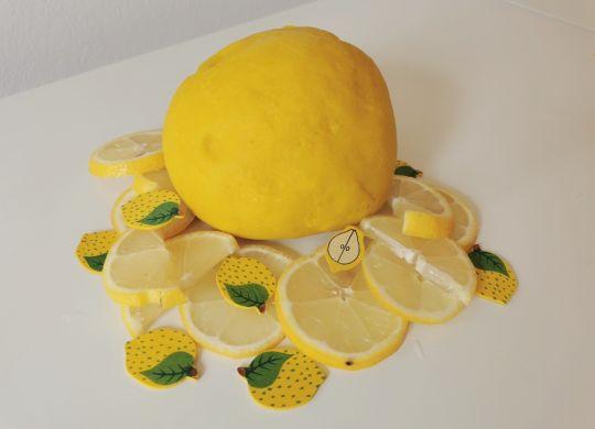 Domači limonin plastelin