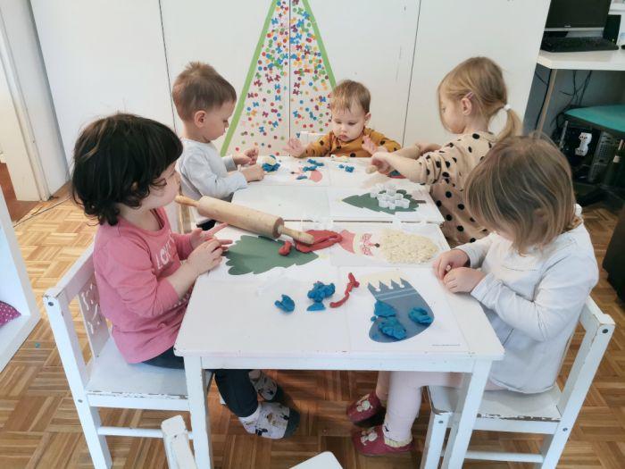 Plastelin in božične predloge